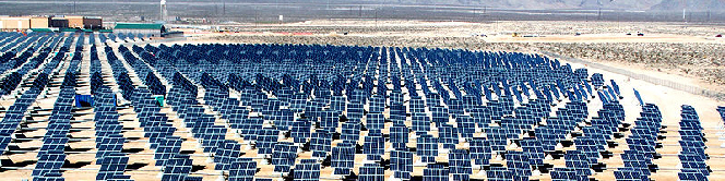 Solar PV Power Plant in US (Photo courtesy of Wikimedia Commons Public Domain)